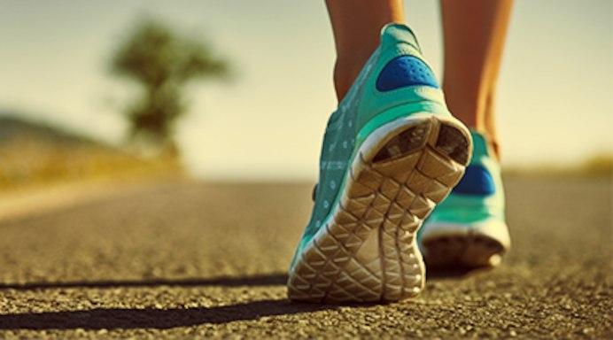 woman_walking_sneakers